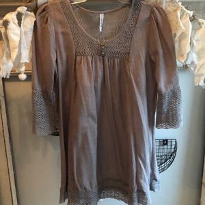 Lace detailed tunic